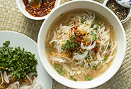rakhine moti – rice noodles in fish soup